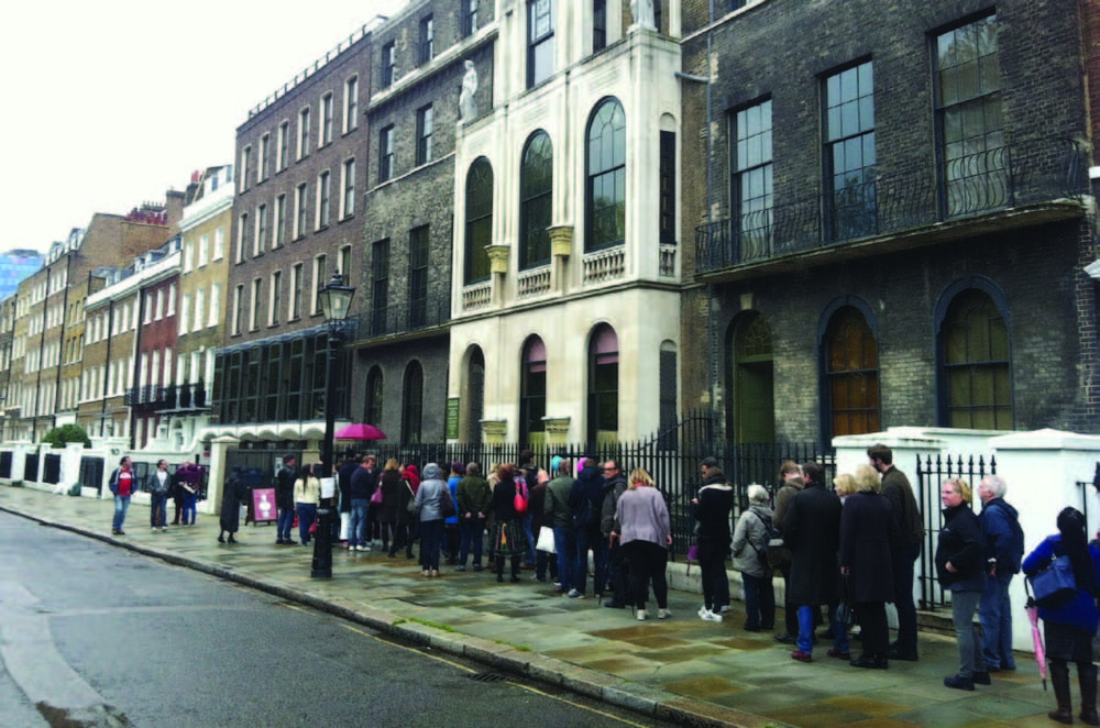soane queue.jpg