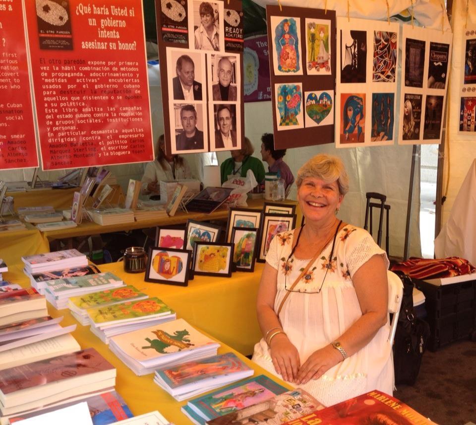 En la Feria Internacional del Libro de Miami, 2012