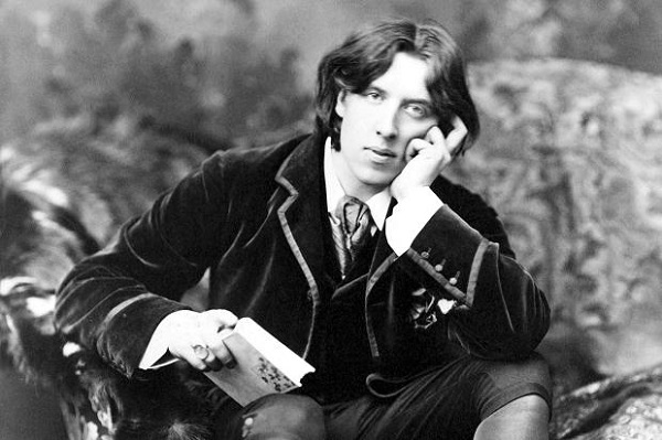 OSCAR WILDE, one of the first and greatest dandies of all time.