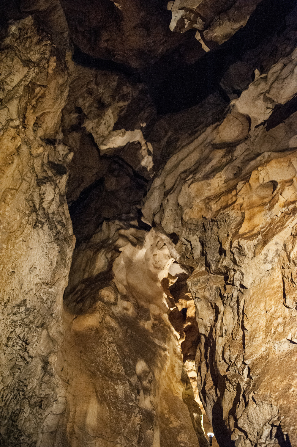 Nix_Höhle_002.jpg