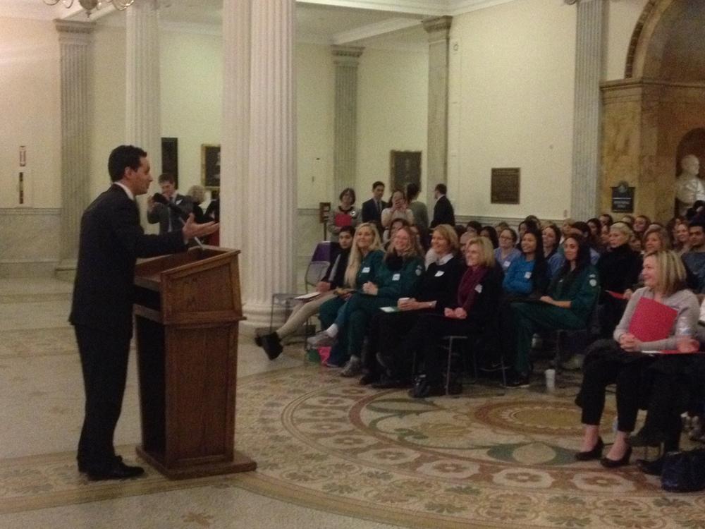 Senator Vinny DeMacedo addresses dental hygiene students at the State House