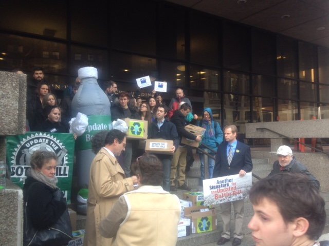 """The Sierra Club, Environmental League, and """"Bottle Bill"""" submit thousands of signatures in support of an updated bottle bill"""