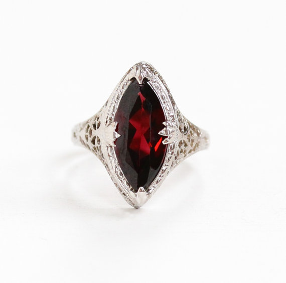 Vintage Art Deco White Gold  Garnet  Ring