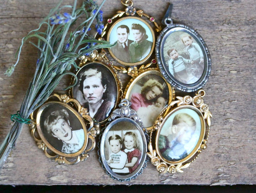 They say a picture is worth a thousand words and these photographic pendants certainly hold true to that statement.