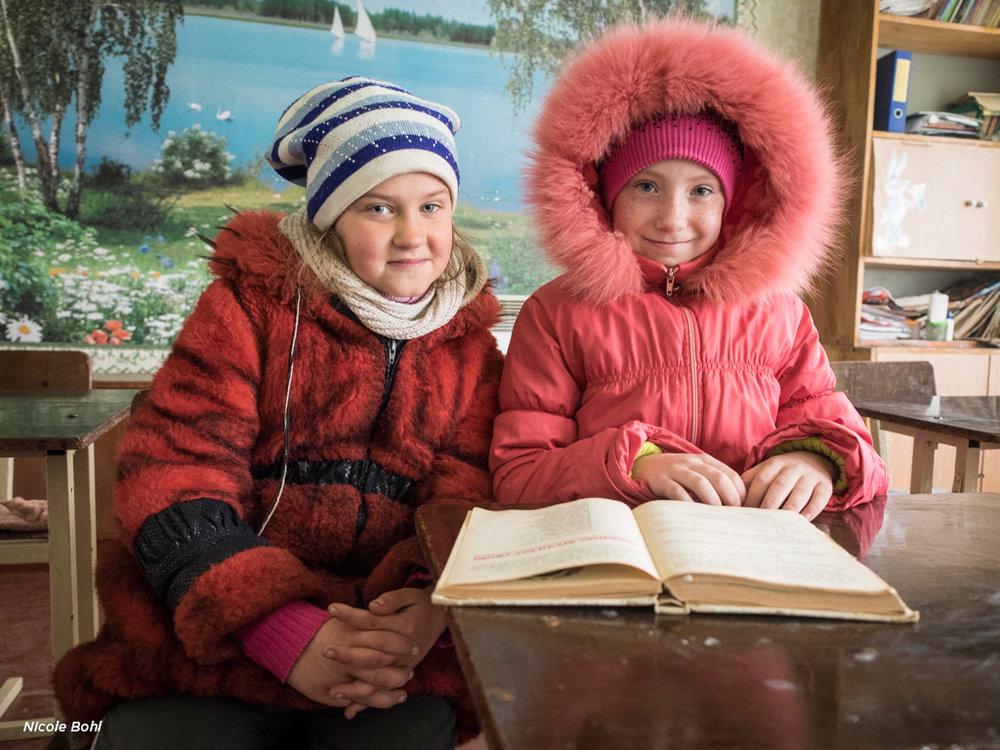 Bohl_Nicole_girls-ukraine-school_01-web.jpg