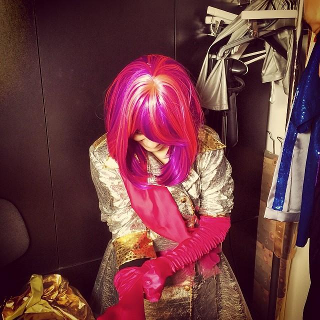 Super Dania backstage #photoshoot #tinapatni #superhope #thinksuper #superdania #dressup #superhero #wig #costume #picoftheday #princess