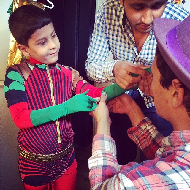 Super Abdeen backstage getting ready for his exciting shoot! #superhope #thinksuper #quicenoart #tinapatni #superabdeen #initiative #socialimpact  #socialenterprise #children #fighting #cancer #costume #mydubai