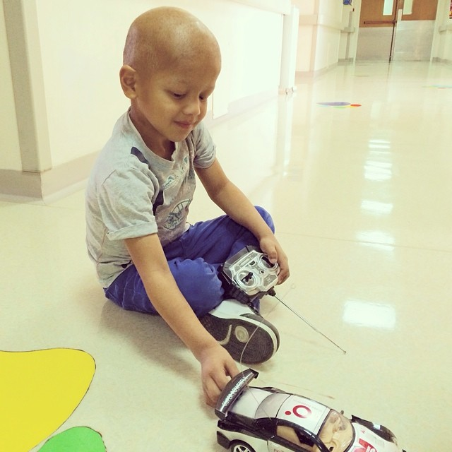 Happiness to SuperKhalifa is  playing with cars. Here he shows us how fast his favorite car can go! #superhope #thinksuper #superkhalifa #children #playing #picoftheday #tagsforlikes #socialimpact #socialenterprise #cars #toys #cancer #beatcancer