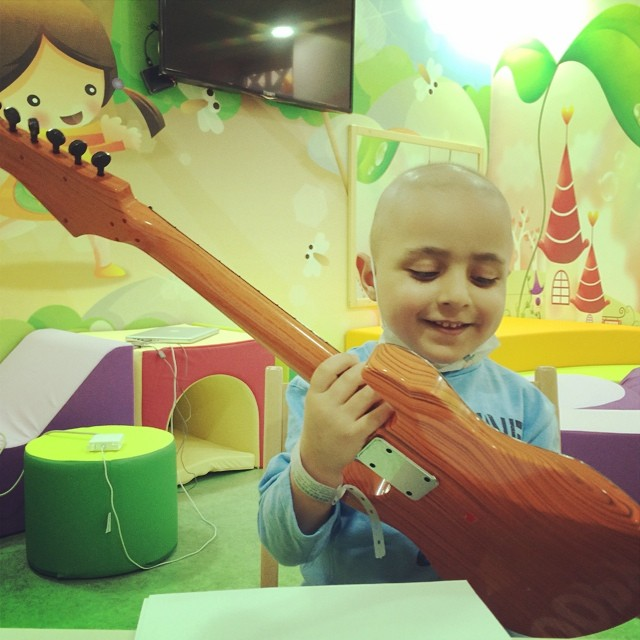 SuperAbdullah showing us his skills, here he plays some tunes for us on his guitar #superhope #thinksuper #superabdullah #toys #children #fighter #cancer #guitar #smile #love #hope