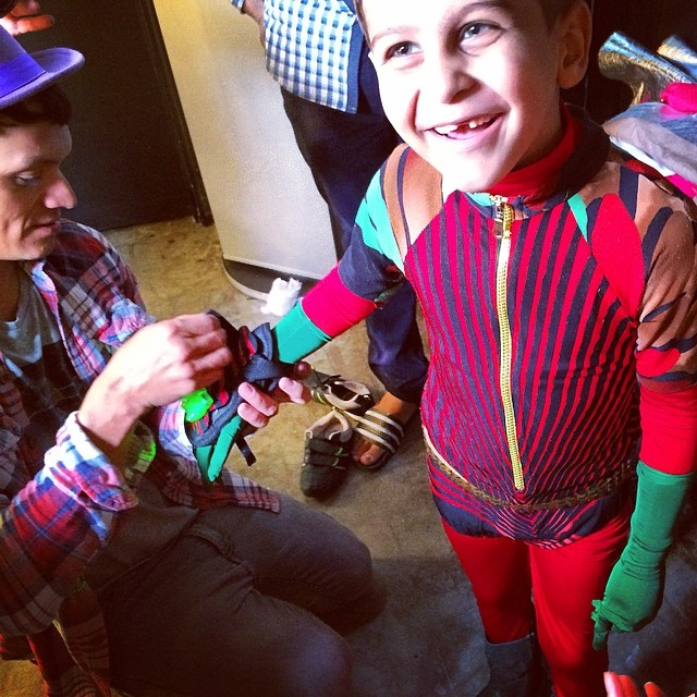 Super Abdeen backstage #superhope #thinksuper #tinapatni #quicenoart #superabdeen #superhero #superpower