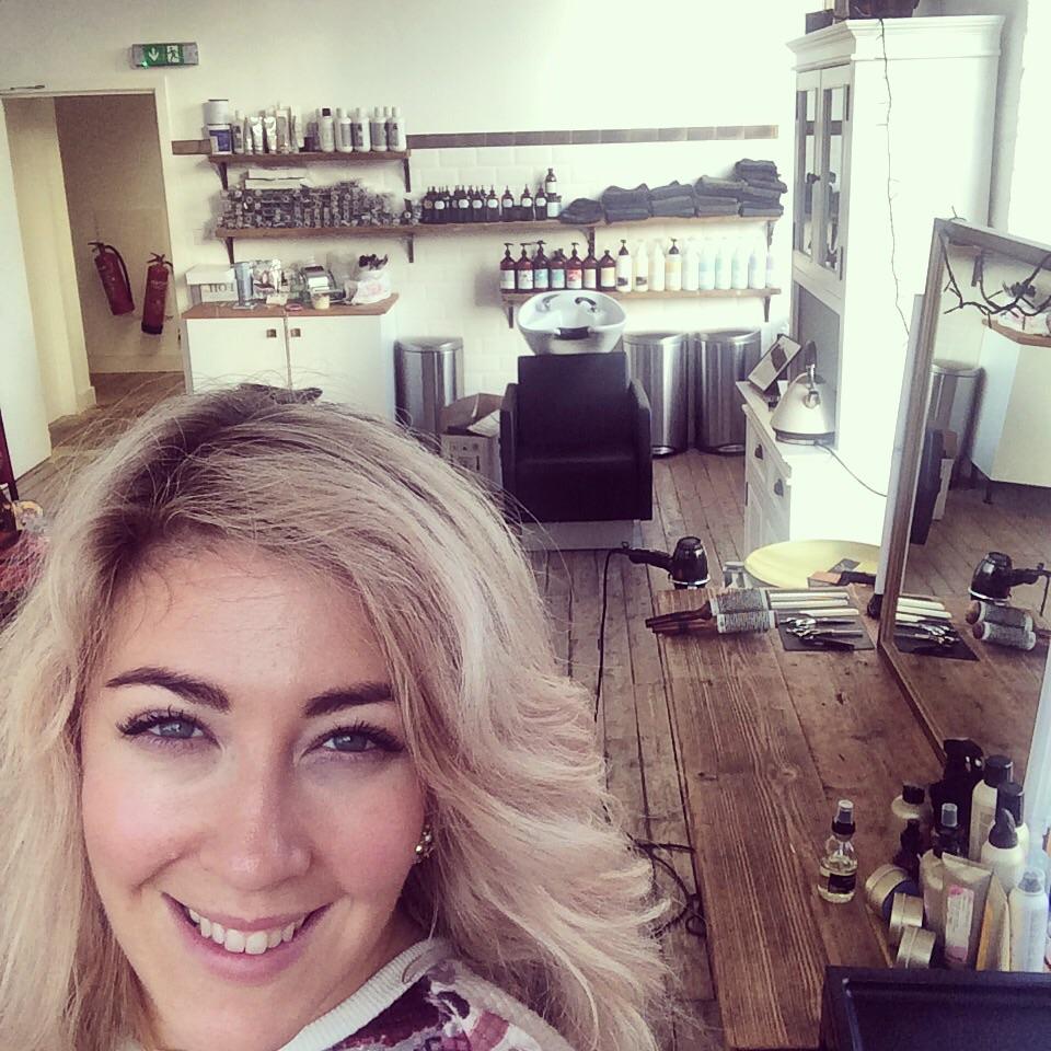 Salon selfie