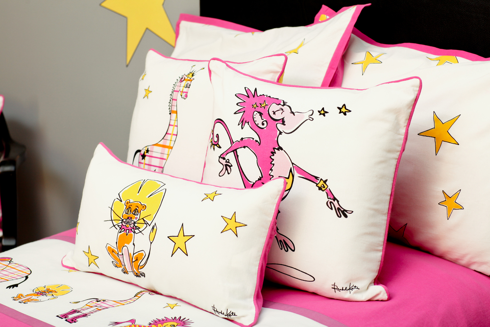 KIDS' ACCENT PILLOWS