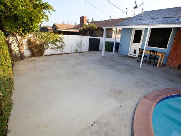 HSTAR704_Rachel-Kris-Backyard-Before-Angle-2_s4x3_lg.jpg