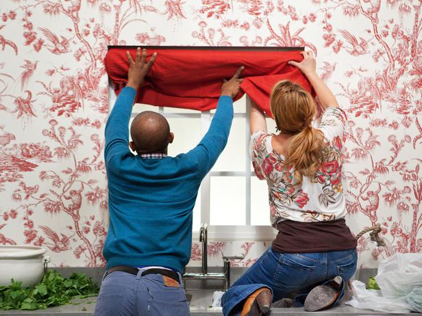 HSTAR706_Rachel-Mikel-Working-Hanging-Curtains_s4x3_lg.jpg