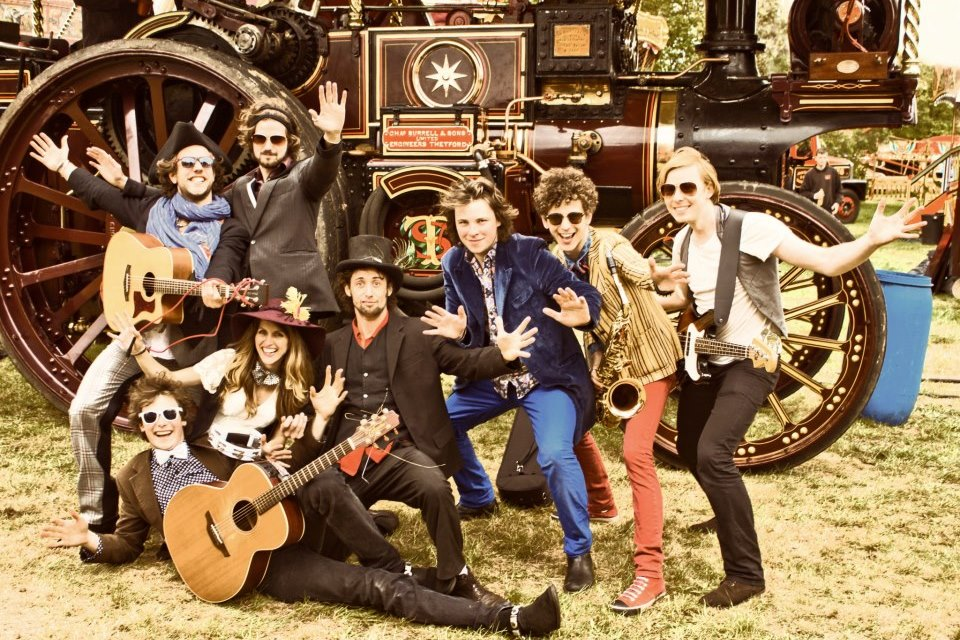 Tankus The Henge doing the world's first 'Steampunk Jazzy Hands'