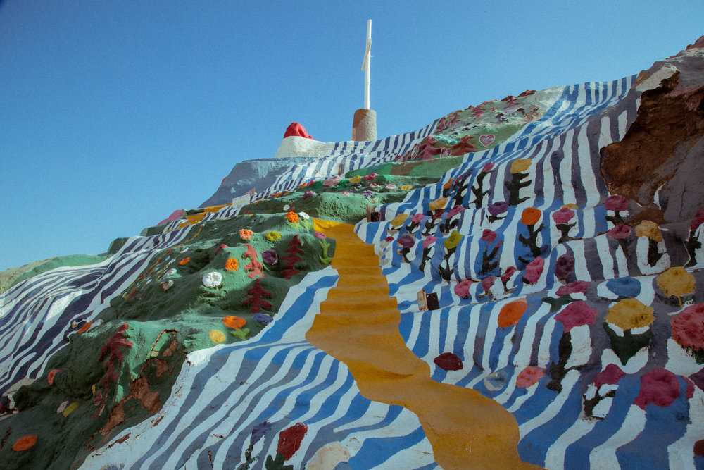 Twomacks Salvation Mountain.jpg