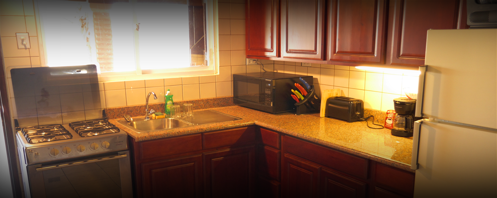 The kitchen with it's needed accessories.