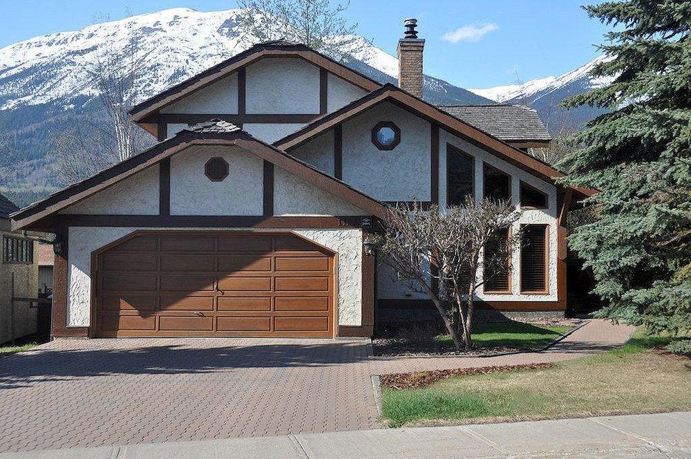 1123 Patricia Street, Jasper, Alberta