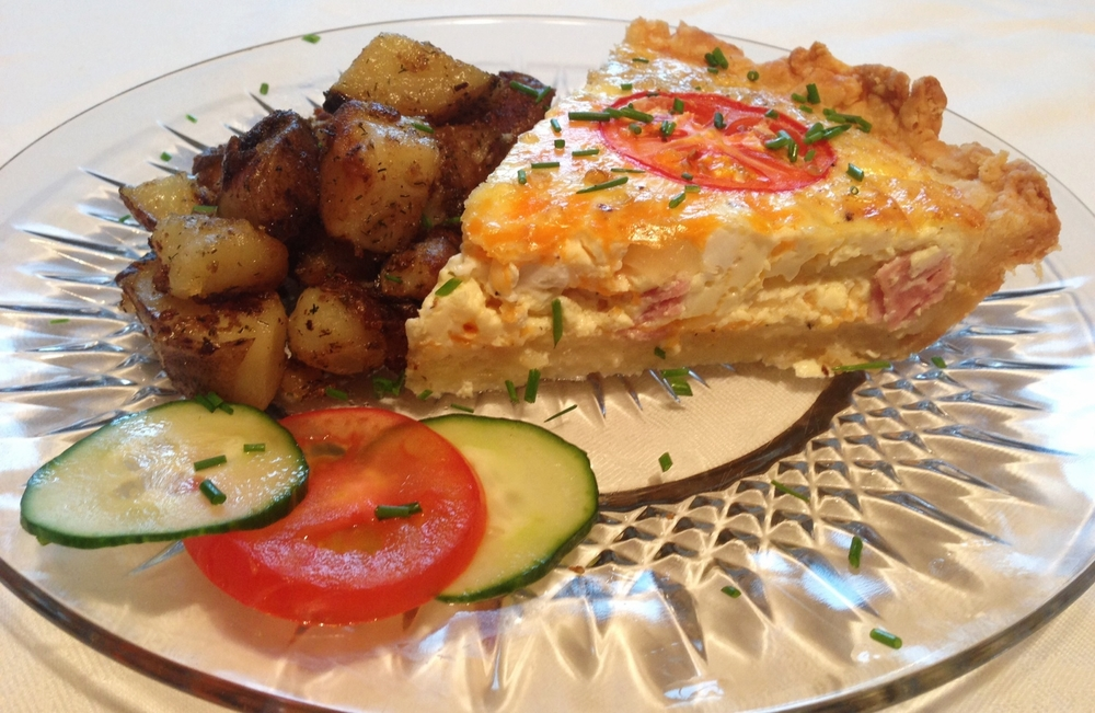Quiche with roasted potatoes
