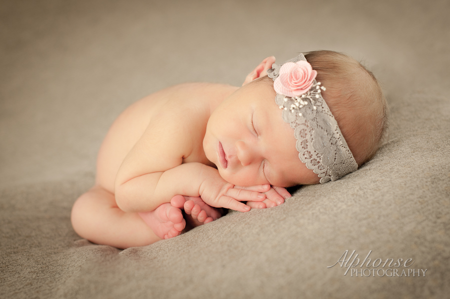 Alphonse_Photography_Newborn_Girl_Casco_Macomb_County_St._Clair_County_Michigan_Photographer-2.jpg