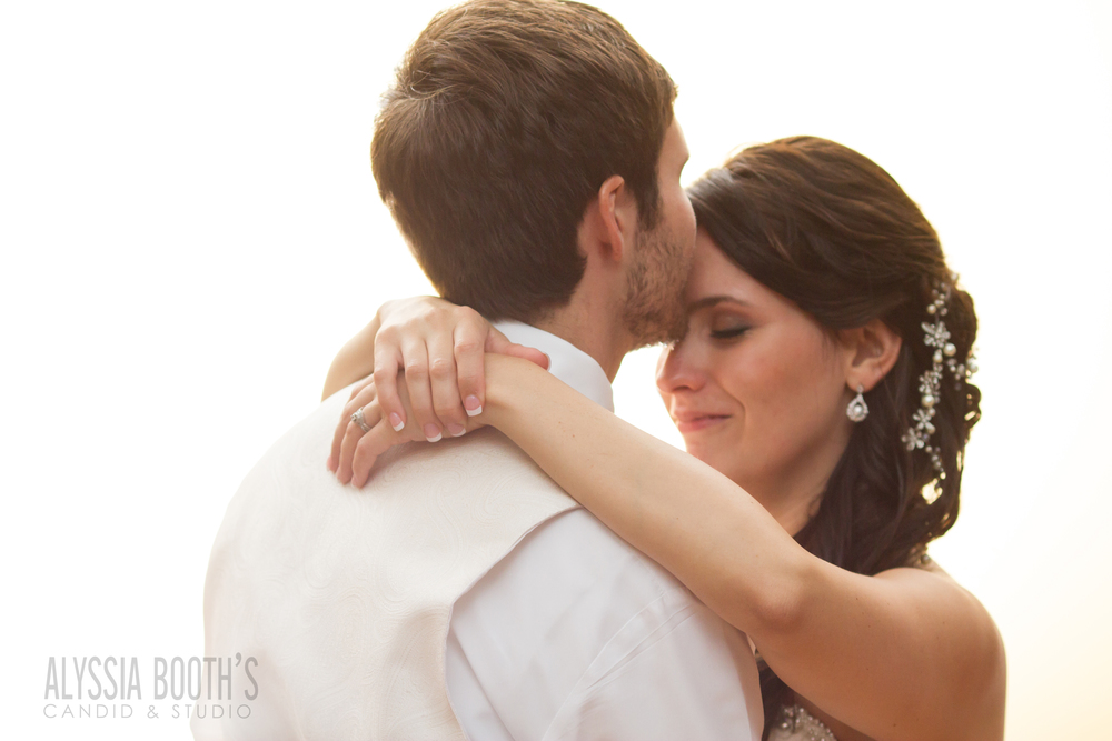 Dance | Wedding at the English Inn | Alyssia Booth's Candid & Studio | Michigan Photographer