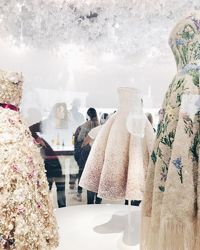 Dior Exhibit Pt.1: someday I'll choose my ootd like this #throughthelookingglass