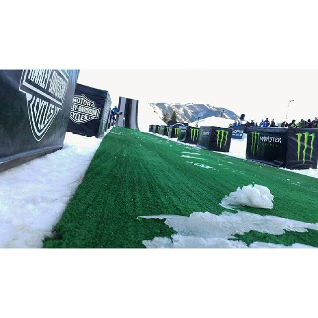 It's time for Monster Energy Freestyle Snowmobile at the Aspen Winter X Games!  #aspen #colorado #colorfulcolorado #wanderlust #productionlife #production #eventlife #xgames #winterxgames #snowmobile #roost #braap #freestyle #monsterenergy #freestyle #tricks #harleydavidson #liveevents #instagood #instafollow #behindthescenes #thegoodlife