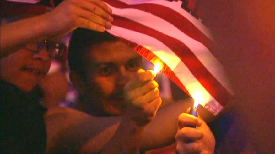 mexicanburningflag.jpg