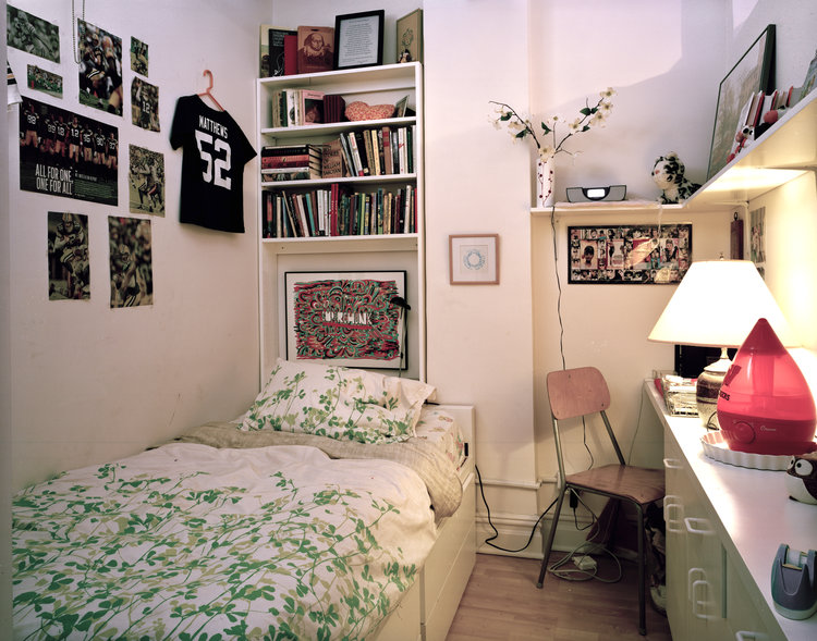 DANIEL CARLSON - IMAGES - BEDROOM3 Audrey,+fourteen+years+old.++Brooklyn,+NY.++Photo+by+Daniel+Carlson.jpg