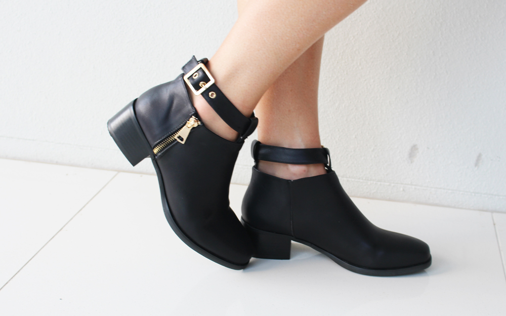 Spurr boots from THE ICONIC on Claire Chadwick from Mum's Closet blog