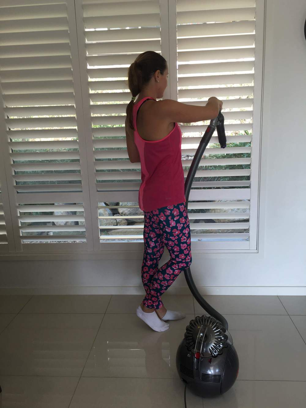 Claire Chadwick reviews the new Dyson Cinetic vacuum cleaner on www.mumscloset.com.au