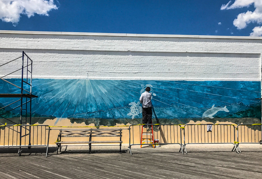 Tom Manco's mural is full of ocean blue colors! Photo Credit: Liz Summit, 2017