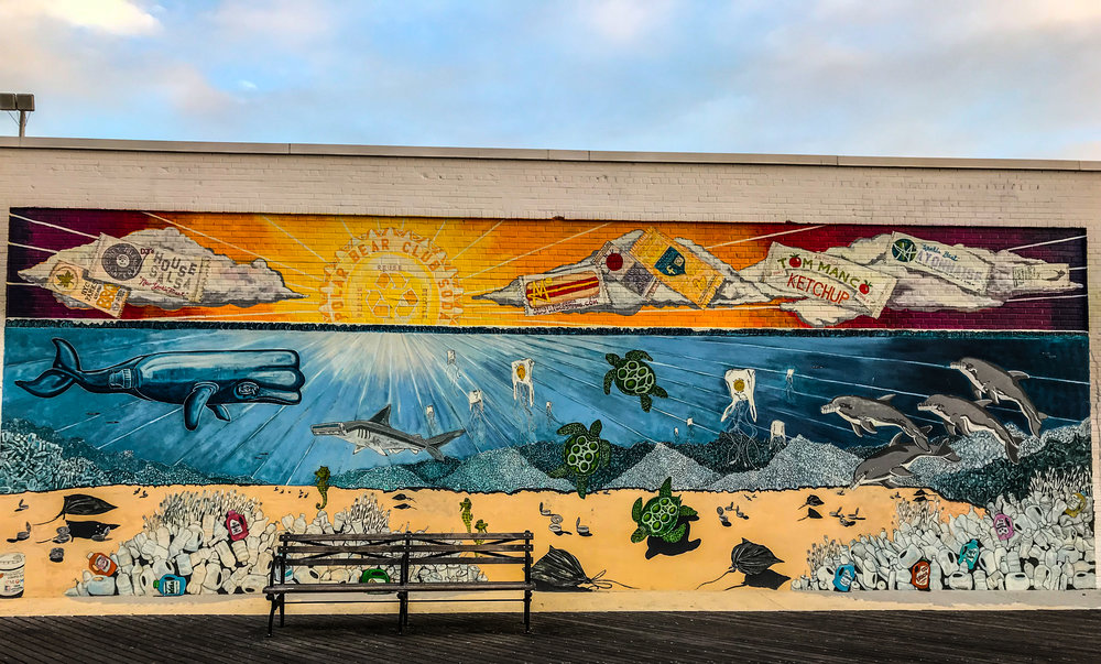 Tom Manco's New York Aquarium mural. Photo credit: Liz Summit, 2017