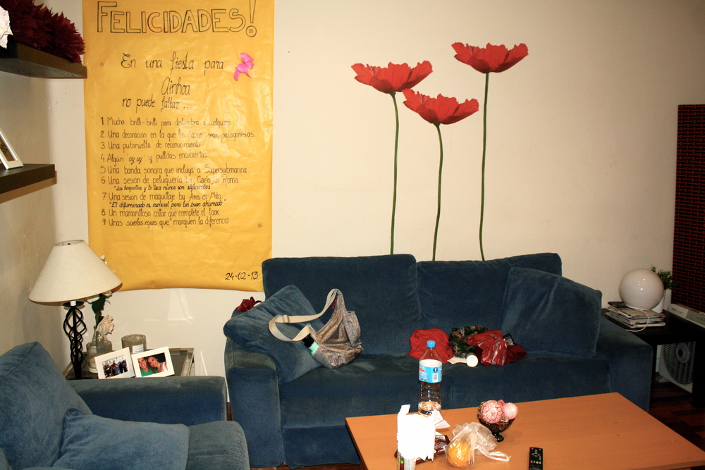 Val's apartment, which she shares with another girl. That couch was my bed for the time I spent in Madrid.