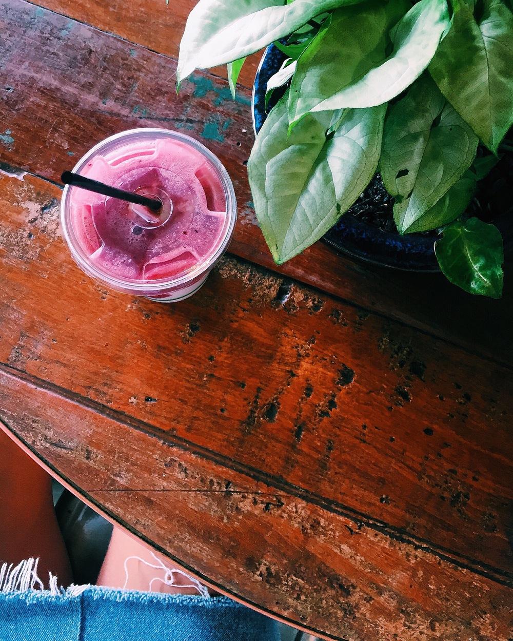 Berry Smoothie at Bayleaf, Byron