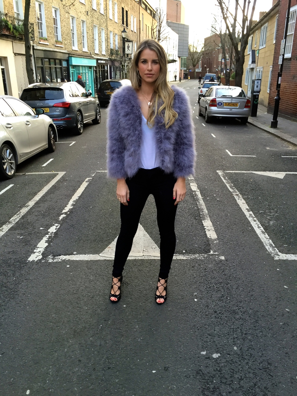 Vogue_Williams_streetstyle.jpg