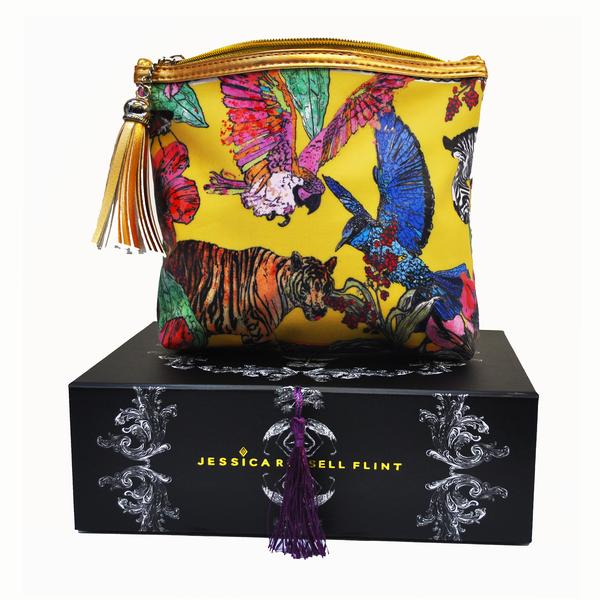 tiger_tales_make_up_bag_on_box_grande.jpg