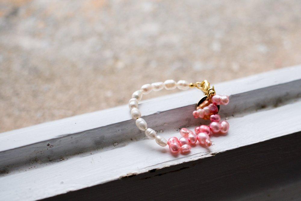 Pinky, freshwater peanut pearl bracelet, £29
