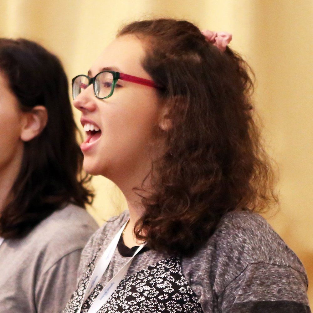 Roberta singing at the Ingenium Academy