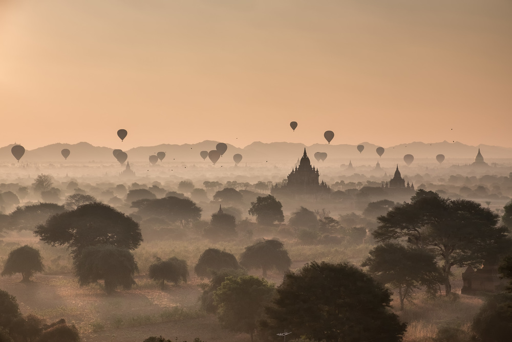 Morning ballons over bagan