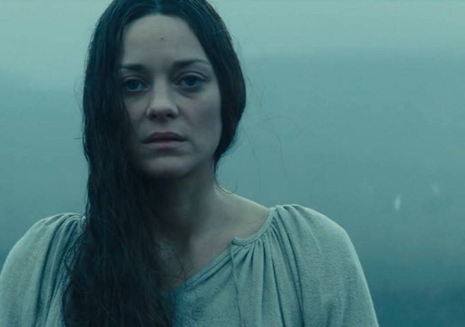 Marion Cotillard as Lady Macbeth in  MACBETH  (2015), directed by Justin Kurzel. Image via    Indiewire   .