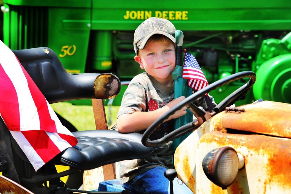 TractorAmerican2.jpg