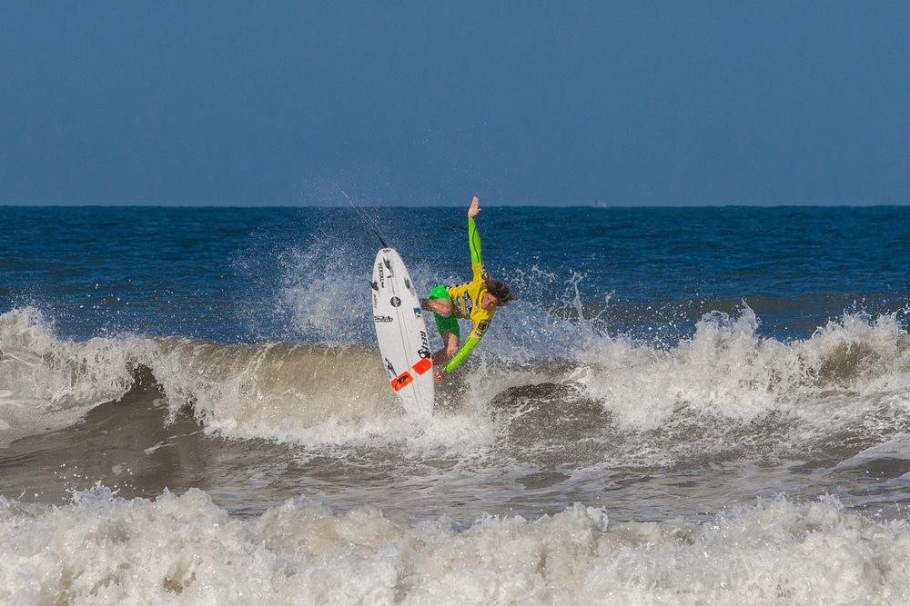 082012ESL_0176_Surfing.jpg