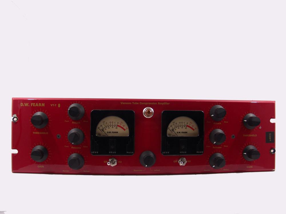 D.W. Fearn VT-7 Stereo Compressor