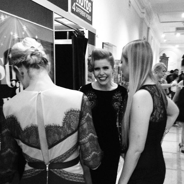 Singer Paloma Faith always smiling - cosmopolitan Ultimate Women of the year Awards 2013 @PalomaFaith #PalomaFaith #singer #music #tv #fashion #vintage #performers #london #cosmopolitan #v&a