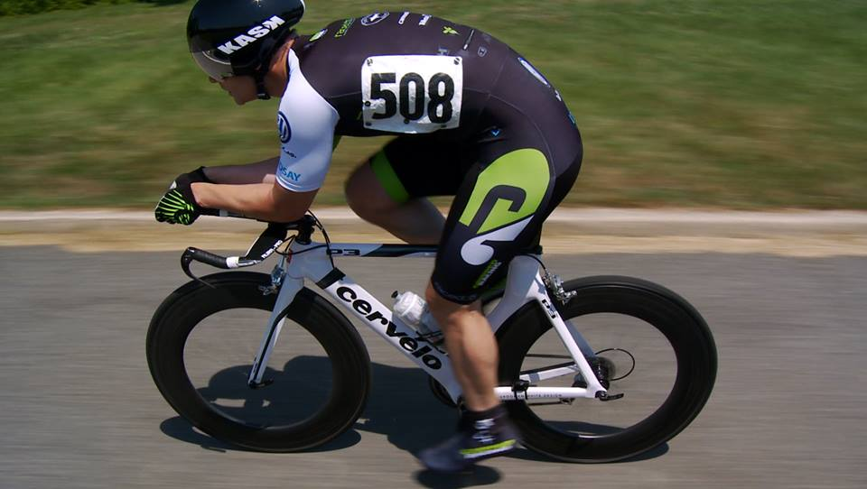 RaceDots-in-action-bike