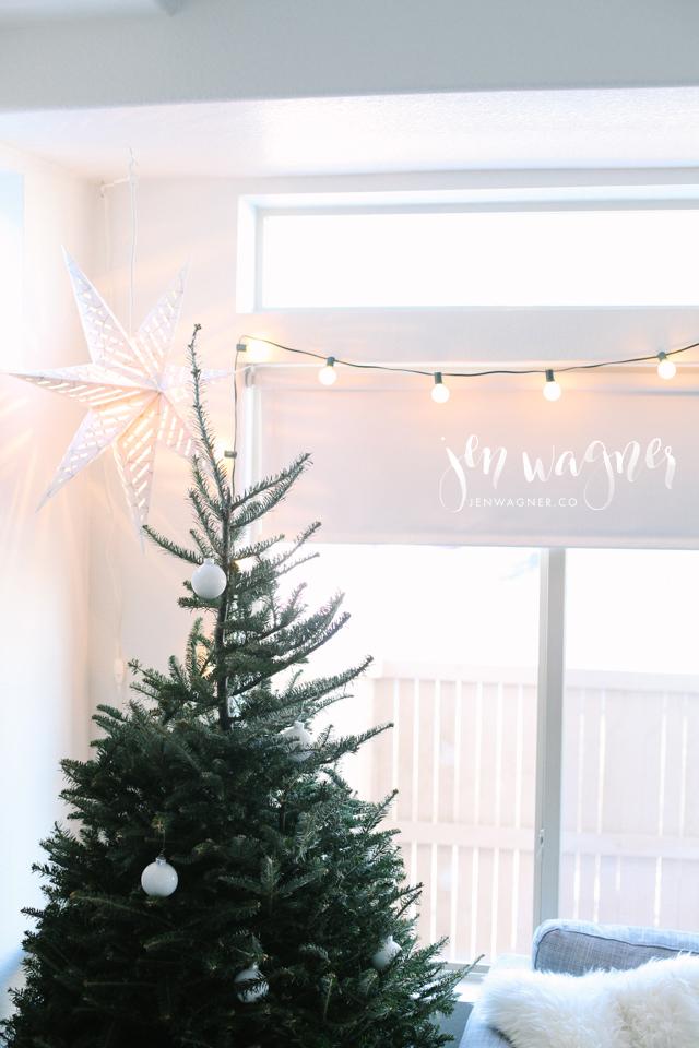minimalistic-christmas-tree