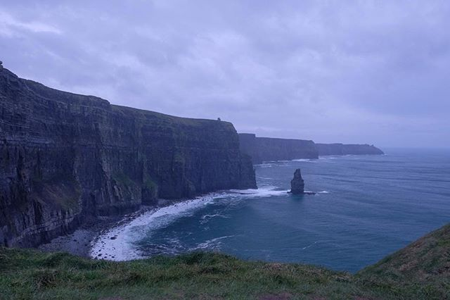 11/12/2018 at the Cliffs of Moher, 12.36pm . .  #ThePhotoHour #StormHour ‬ #dailycliffs #dailycliffspics #cliffsofmoher #xt20  #liscannor  #cliffs #foam  #wildatlanticway #storm #wet #misty #clouds