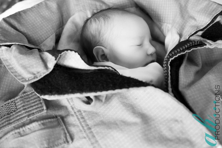 newborn photography by ah Productions based in Broken Arrow Oklahoma, baby colt