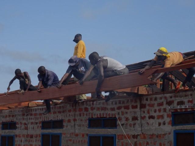 roof repairs- Sept 17 [640x480].JPG